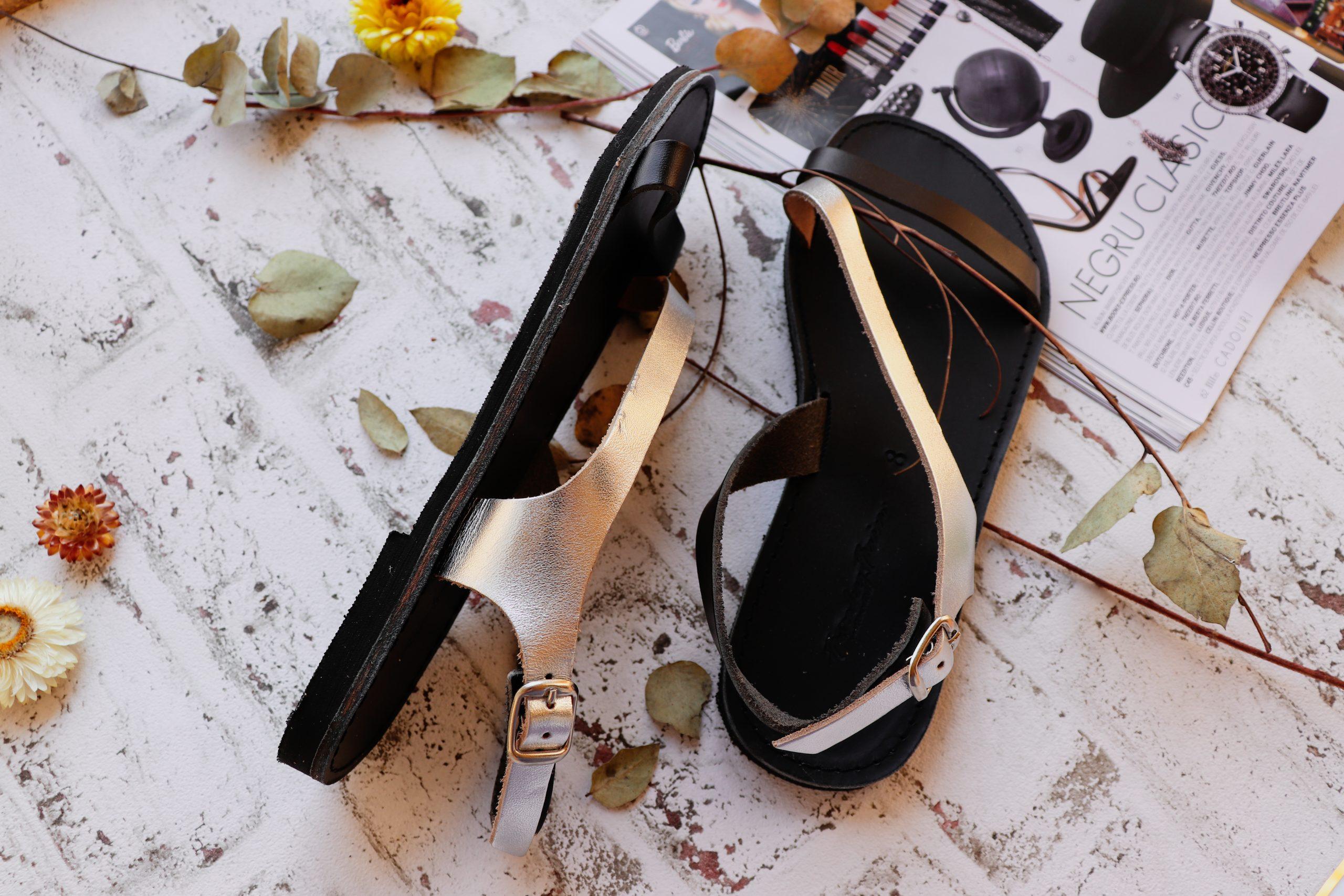 Sandale de damă din piele naturală FUNKY STRIPES, argintiu